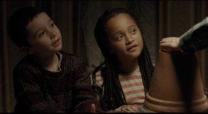Katie's kids Dylan (Dylan McKiernan) and Daisy (Brianna Shand) grow fond of Daniel in Ken Loach's I, Daniel Blake (2016)