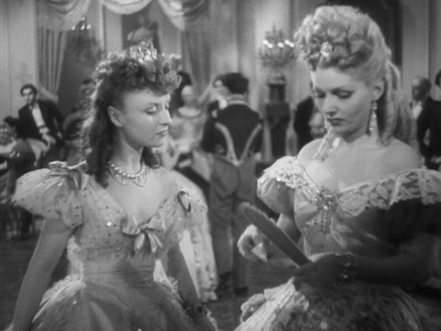 Zélie Fontaine (Odette Joyeux) compromises herself to help her bourgeoise friend Hortense (Simone Renant) in Claude Autant-Lara's Lettres d'amour (1942)