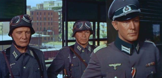 Trevor Howard, Frank Sinatra and Edward Mulhare take advantage of the enemy's respect for military authority in Mark Robson's Von Ryan's Express (1965)