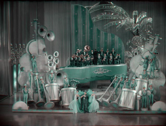 "The giant piano set for ""Rhapsody in Blue"" in John Murray Anderson's King of Jazz (1930)"