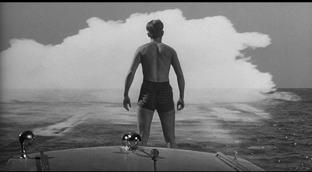 Scott Carey (Grant Williams) faces the toxic cloud which will turn him into The Incredible Shrinking Man (1957)