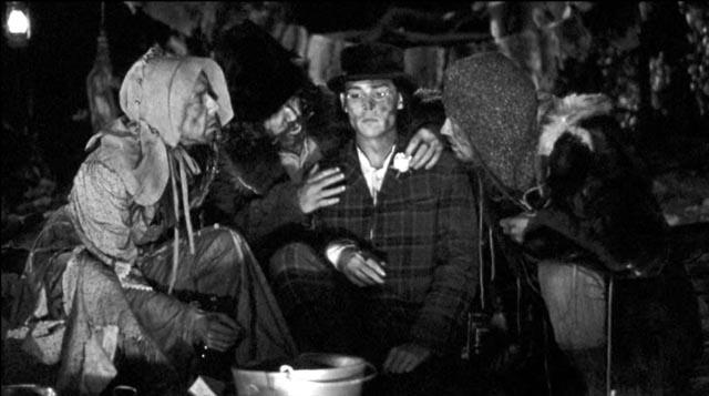Blake encounters a trio of strange degenerates in the forest: Iggy Pop, Billy Bob Thornton, Jared Harris in Jim Jarmusch's Dead Man (1995)