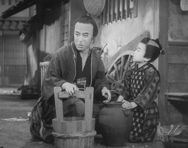 The pot finds its way into the hands of a young boy in Sadao Yamanaka's Tange Sazen: The Million Ryô Pot (1935)