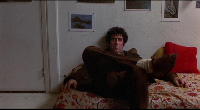 Alfred (Elliott Gould) chooses total disengagement as a survival strategy in Jules Feiffer & Alan Arkin's Little Murders (1971)