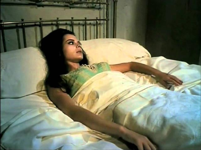 Soledad Miranda as the Count's primary victim Lucy in Jess Franco's Count Dracula (1970)
