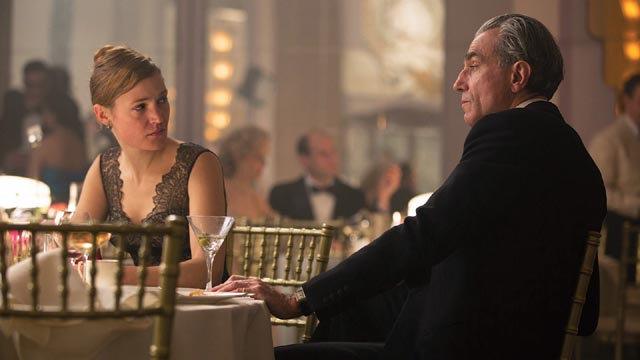 A one-sided romance between Reynolds (Daniel Day-Lewis) and Alma (Vicky Krieps) in Paul Thomas Anderson's Phantom Thread (2017)