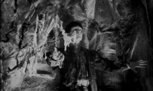 The mask opens the way to a haunted netherworld in Julian Roffman's 3-D The Mask (1966)
