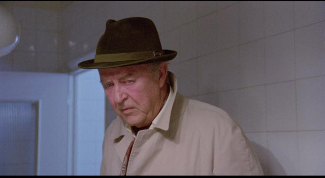 Retired Inspector Timpson (Ray Milland) investigates a murder in Flavio Mogherini's The Pyjama Girl Case (1977)