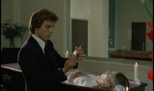 Frank Wyler (Kieran Canter) prepartes to preserve his fiancee's body in Joe D'Amato's Beyond the Darkness (1979)