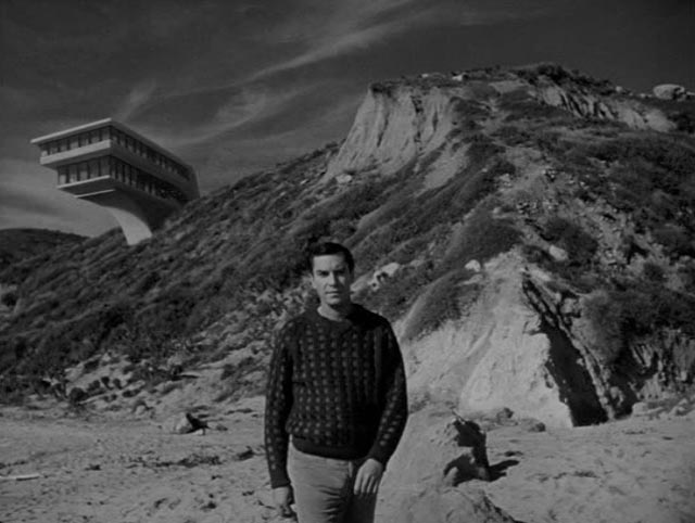 Rational investigator Nelson Orion (Martin Landau) and his modernist house in Joseph Stefano's The Haunted (1964)