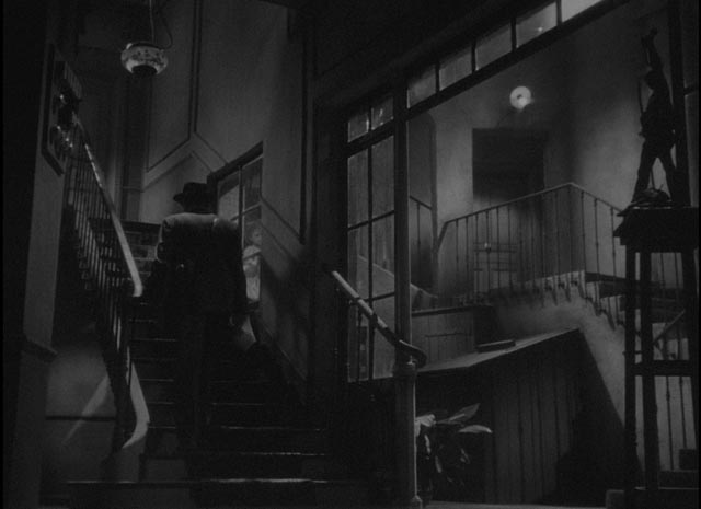 Monsieur Hire (Michel Simon), a lonely misanthrope distrusted by his neighbours in Julien Duvivier's Panique (1946)