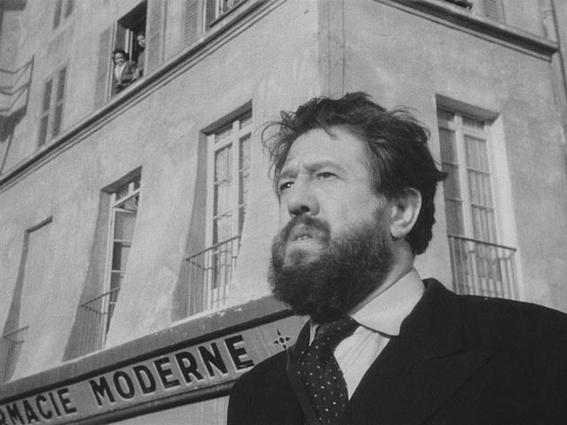 M. Hire (Michel Simon) realizes that his neighbours have turned against him in Julien Duvivier's Panique (1946)