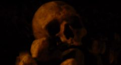 Skull from the catacombs in Paris, used as image for the music video The Duel performed by Töt Bête Lögn
