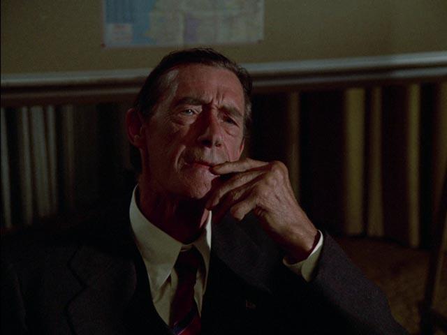 John Carradine as Kolchak'c newspaper-owning boss in Dan Curtis' The Night Strangler (1973)