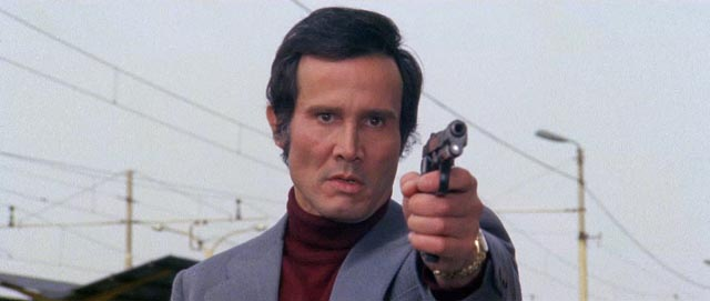 Commissario Grandi (Henry Silva) goes rogue in his pursuit of Giullio (Tomas Milian) in Umberto Lenzi's Almost Human (1974)