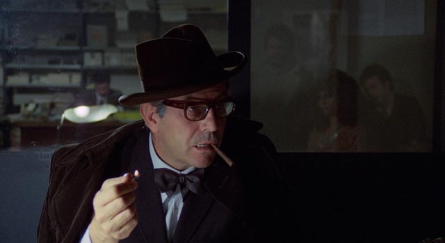 Newspaperman Giannoli (Enrico Maria Salerno) is suspicious of the official story of the murder in Vittorio Salerno's No, the Case is Happily Resolved (1973)