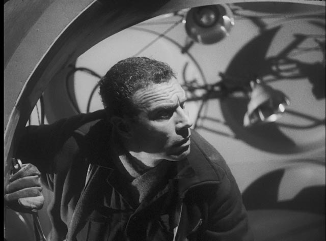 Engineer Sladden (Richard Shaw) begins to revert to an earlier stage of evolution under the ship's influence in Nigel Kneale's Quatermass and the Pit (1959)
