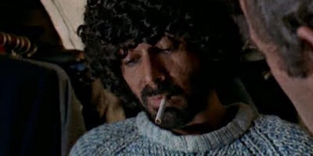Tomas Milian as ex-criminal cafe owner Monnessa in Stelvio Massi's Destruction Force (1977)