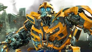 Giant destructive robots can be really cute: Travis Knight's Bumblebee (2018)