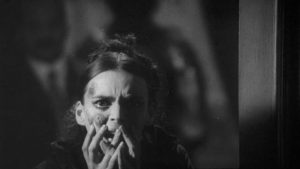 Faithless wife Barbara Steele gets the plague in Massimo Pupillo's Terror Creatures from the Grave (1965)