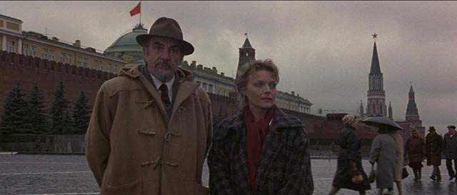Location shooting in Red Square: Sean Connery and Michelle Pfeiffer in Fred Schepisi's The Russia House (1990)