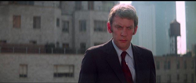 John Klute (Donald Sutherland) earnestly resists the sordid underside of big city life in Alan Pakula's Klute (1971)
