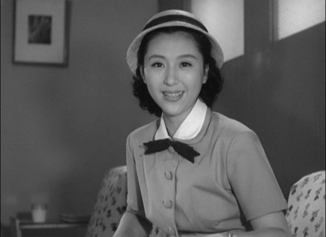 Setsuko (Keiko Tshushima) rejects tradition in favour of individual choice and independence in Ozu Yasujiro's The Flavor of Green Tea Over Rice (1952)