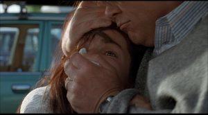 Barney Cousins (Jeff Bridges) kidnaps Diane (Sandra Bullock) in George Sluizer's American remake of The Vanishing (1993)