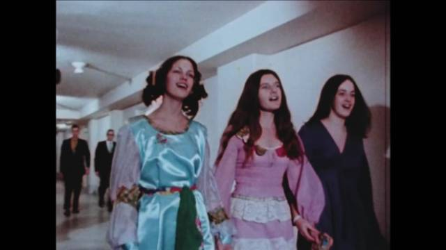 Charles Manson's followers cheerfully face their trial for murder in Sheldon Renan's The Killing of America (1981)