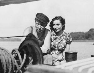 Hannelore Schroth as Anna and Carl Raddatz as Hendrik in Helmut Kautner's Unter den Brucken (1944)