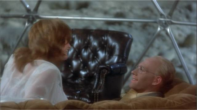 Billy (Michael Sacks) finally finds peace and contentment, with actress Montana Wildhack (Valerie Perrine) on the planet Tralfamadore in George Roy Hill's Slaughterhouse-Five (1972)