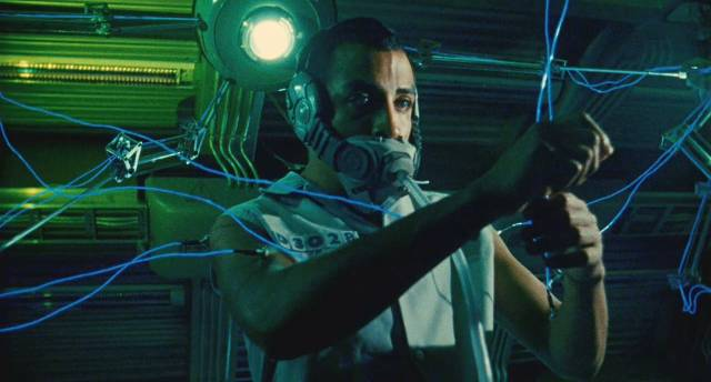 Memo Cruz (Luis Fernando Pena) works in a virtual factory in Alex Rivera's Sleep Dealer (2008)