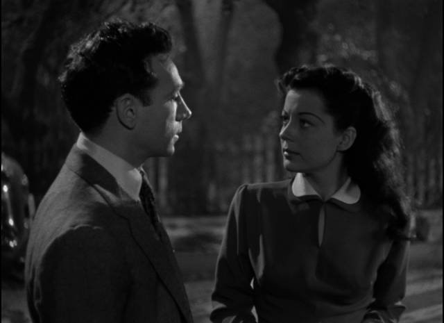 Danny Hawkins (Dane Clark) clings to Gilly Johnson (Gail Russell) as his one hope for redemption in Frank Borzage's Moonrise (1948)