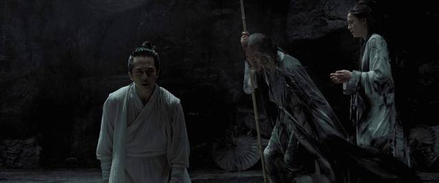 A dying commander and his wife use his double to fight the kingdom's enemies in Zhang Yimou's Shadow (2018)