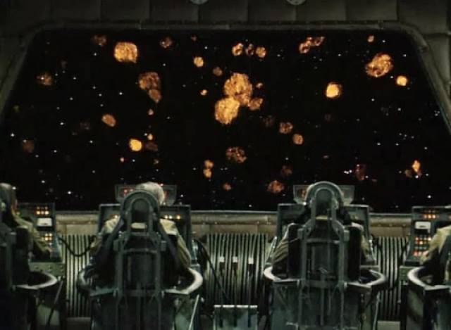The ship encounters a meteor storm on the way to Saturn in Marek Piestrak's Test Pilota Pirxa (1979)