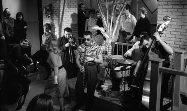The coffee shop is the place to be for beats and small-time hoods in Julian Roffman's The Bloody Brood (1959)