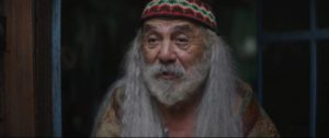 Tommy Chong as the hermit Ezra who also senses the changes being wrought by the Color in Richard Stanley's Color Out Of Space (2019)
