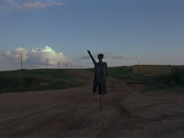 The Hitler effigy planted at a crossroads for the Germans to see in Elem Klimov's Come and See (1985)