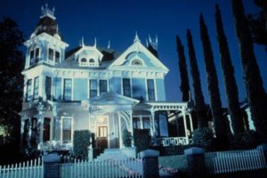 There's something sinister in the old mansion in Steve Miner's House (1985)