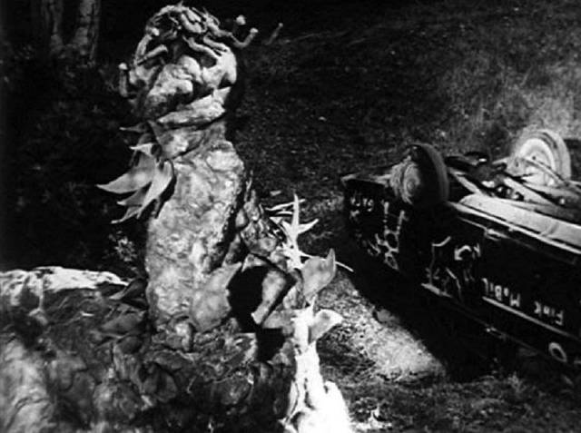 "The ""carpet monster"" attacks Lovers' Lane in Art Nelson's The Creeping Terror (1964)"