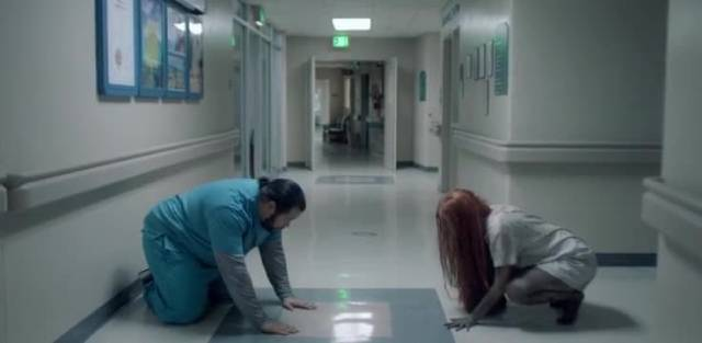 Tony (Cooper Andrews), a gay nurse, quickly establishes a rapport with the feral girl (Lauryn Canny) in Pollyanna McIntosh's Darlin' (2019)