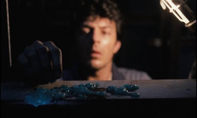 Repairman Felix Adelaar (Huub Stapel) discovers something growing in the elevator in Dick Maas' De Lift (1983)