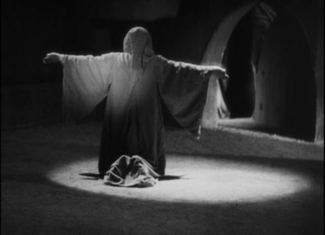Sin and a desire for atonement in Juan Bustillo Oro's Dos Monjes (1934)