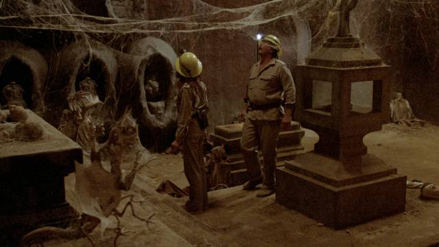 Jennifer (Samantha Eggar) and Mark Baines Roy Jenson) discover an ancient temple in Alfredo Zacarias' Demonoid (1981)