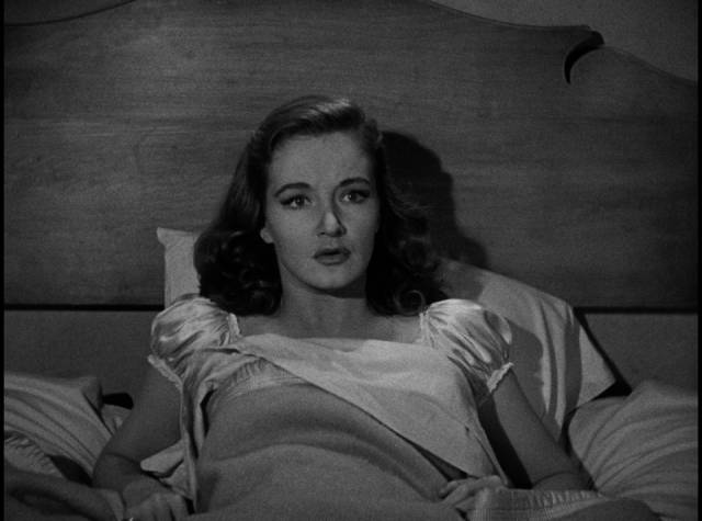 Eileen Carr (Nina Foch) wakes from a nightmare in Budd Boetticher's Escape in the Fog (945)