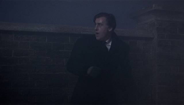 Stephen Lowry (Stewart Granger) makes a huge mistake in trying to free himself from Lily (Jean Simmons)'s blackmail in Arthur Lubin's Footsteps in the Fog (1955)