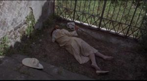 Tim Brett (David Hemmings)'s new acquaintance Lucy Dawson (Flora Robson) is found dead in the ruins of Pompeii in Richard C. Sarafian's Fragment of Fear (1970)