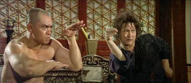 Interesting fight choreography in Sammo Hung's The Iron-Fisted Monk (1997)