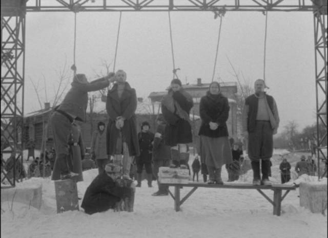 Sotnikov and the others are hanged as an example to the other villagers in Larisa Shepitko's The Ascent (1977)