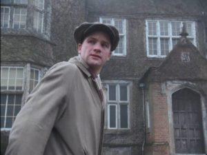 Arthur Kidd (Adrian Rawlins) arrives at Eel Marsh House in Herbert Wise's The Woman in Black (1989)